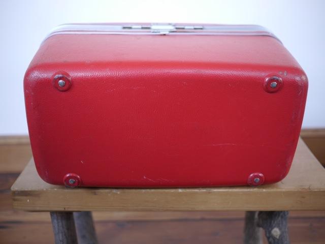 vintage samsonite silhouette bright red makeup cosmetic vanity travel train case ebay. Black Bedroom Furniture Sets. Home Design Ideas